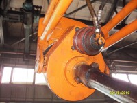 Hydraulic drive of the drill on the T-150K